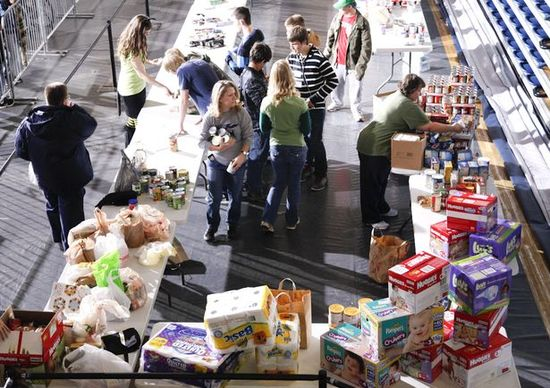 phony staging of relief donations 1