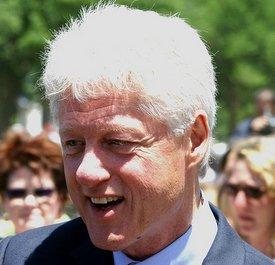 Bill Clinton at WWII memorial dedication in 2004