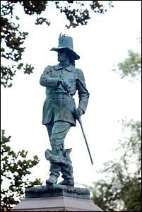 Statue of Capt. John Mason on  Pequot Hill, in Mystic, Connecticut