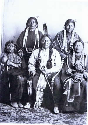 Photo of Sitting Bull and his mother, wives and daughter