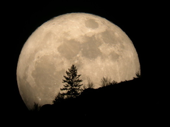 Photo of the Supermoon in 2011