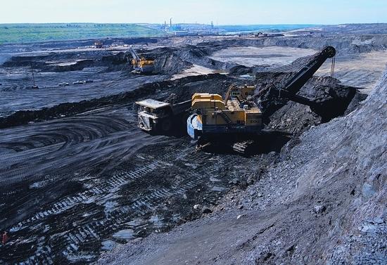 Tar sands mining in Alberta