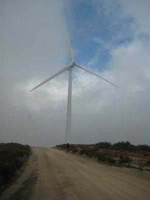 2-megawatt wind turbine on Kumeyaay Indian reservation. (Photo by Meteor Blades)