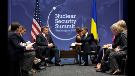 President Barack Obama participates in a bilateral meeting with President Viktor Yanukovych of Ukraine, during the Nuclear Security Summit at the Walter E. Washington Convention Center in Washington, D.C., April 12, 2010. (Official White House Photo by Pete Souza)